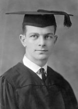 Linus Pauling: good student (Wikimedia Commons)
